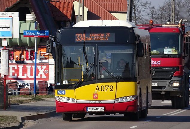 Bia�o��ka wraca z wakacji. Nowe trasy autobus�w