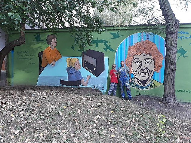 Nowy mural na Woli. Kim jest ta kobieta?