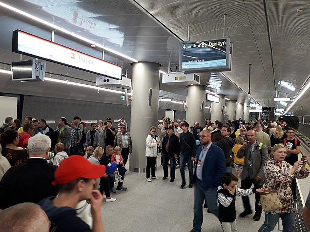 """Metro zmieni�o Targ�wek. """"Skromnie, nowocze�nie, europejsko"""""""