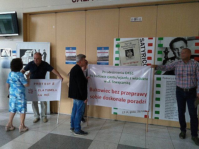 K��tnia o tunel na Bukowcu. Ludzie protestuj�, prezydent nalega