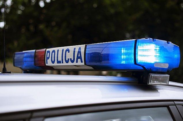 Dziecko ukrad�o s�odycze w Biedronce. Stanie przed s�dem