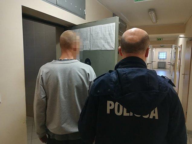 Interwencja policji w Legionowie. Zaskakuj�ce odkrycie na balkonie