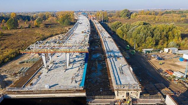 Imponuj�cy plac budowy. Tak powstaje nowy most