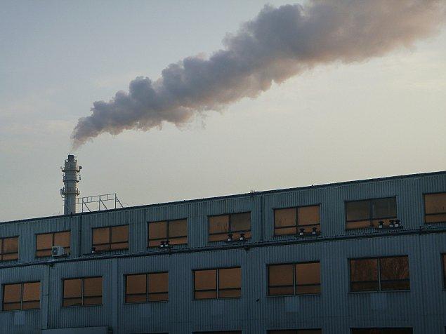 Sezon smogowy w Wawrze rozpocz�ty. Wymie� piec