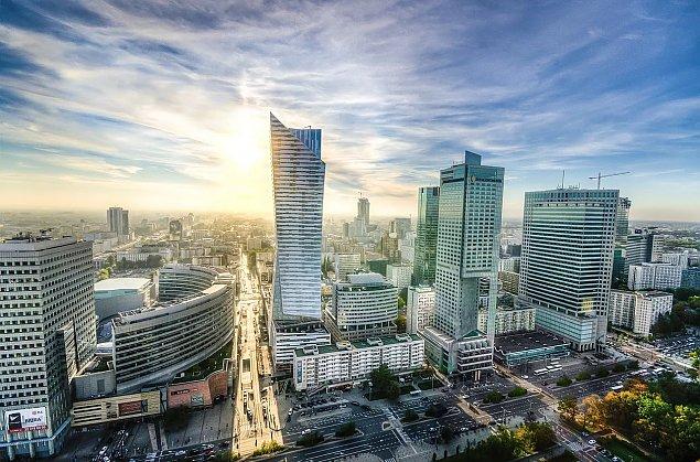Powsta�o �wi�to Warszawy. Wyj�tkowo dziwna data