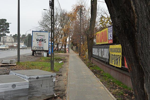 Witamy w XX wieku. Nowe chodniki w Wawrze
