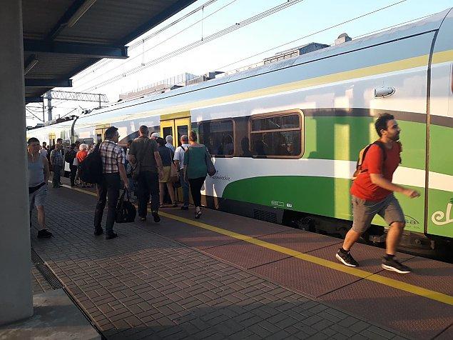 Koleje Mazowieckie i SKM. Jedna trasa, dwa r�ne bilety