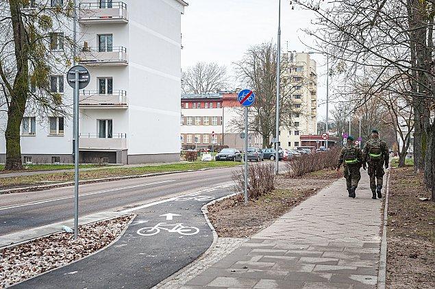 Zmiany na Radiowej. Bonusy dla pieszych i rowerzyst�w