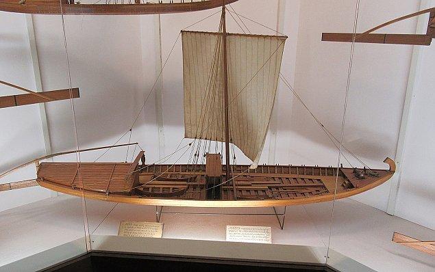 W Wi�le znaleziono statek. Ma 37 metr�w d�ugo�ci