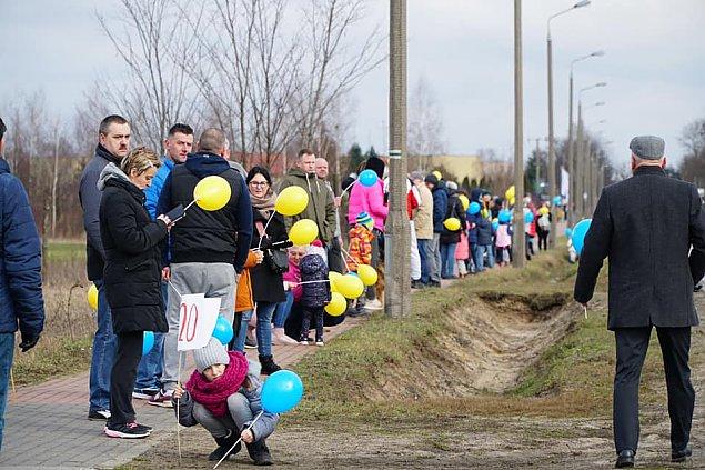 """Protest przeciwko nowej linii kolejowej. """"Zniszczy domy i przyrod�"""""""