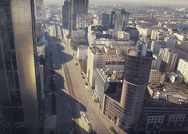 """""""Miasto ciszy"""". Film z Warszawy podbija YouTube"""