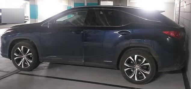 Skradziony lexus znaleziony na podziemnym parkingu. Sukces policji
