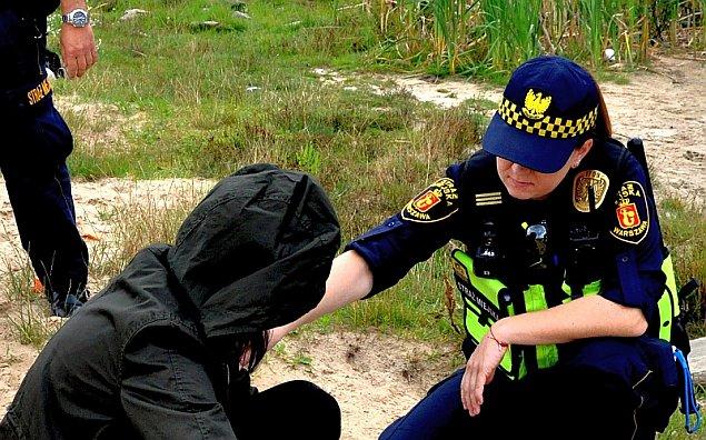 Nastolatka le�a�a nieprzytomna w parku Sowi�skiego