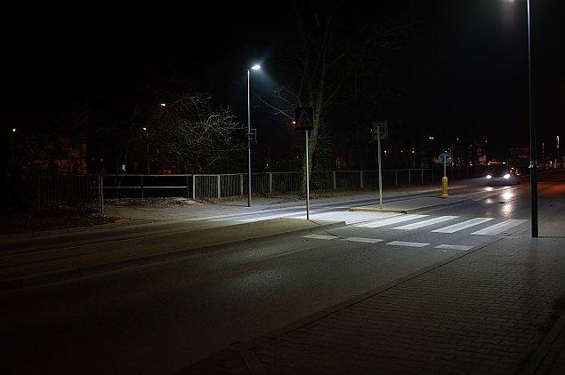 Koniec wawerskich ciemno�ci? Dobre zmiany dla pieszych