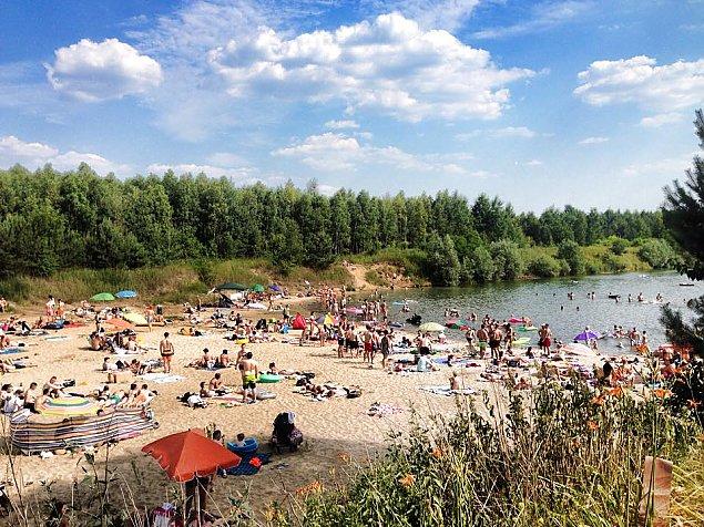 Wakacje w pełni. Najlepsze kąpieliska w okolicach Warszawy