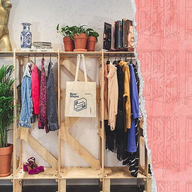 Wynajmij rega³, sprzedaj niepotrzebne ubrania. Second hand w galerii handlowej