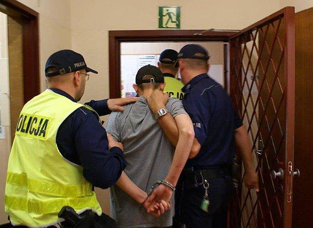 """Policyjny nalot na mieszkanie na Słodowcu. """"Miał słoik z marihuaną"""""""