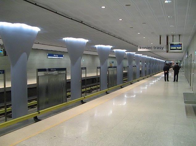Ewakuacja na M³ocinach. Kto¶ zostawi³ baga¿ w metrze
