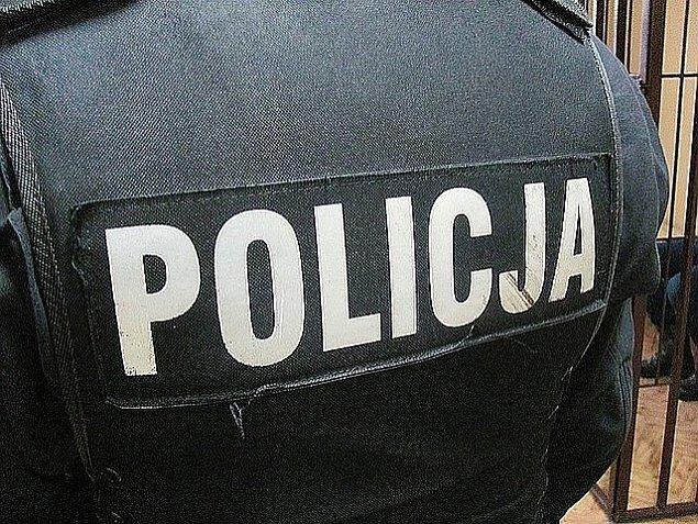 Policja na Ksi±¿kowej. Z okien lecia³a marihuana