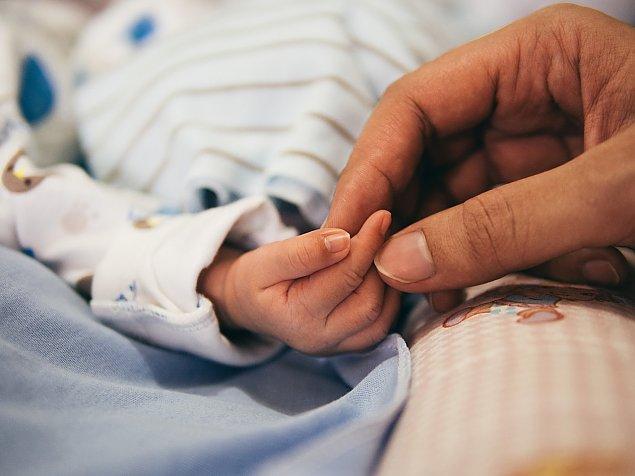 Dziesi±tki dzieci urodzonych z in vitro. Program przed³u¿ony