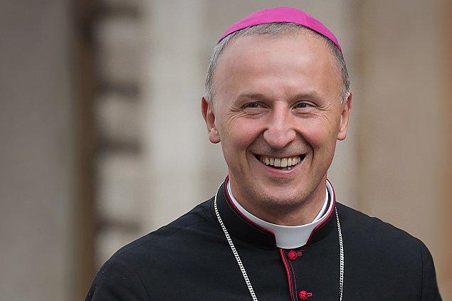 Popularny biskup opuszcza Warszawê. Awans do Radomia