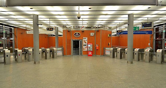 """""""Nie ma czego¶ takiego, jak metro na Bia³o³êkê"""". A tyle by³o obietnic"""
