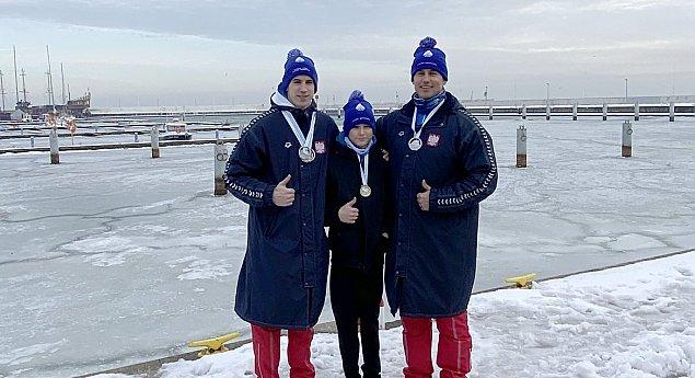 Nasz p³ywak z gar¶ci± medali na zawodach Gdynia Winter Swimming Cup