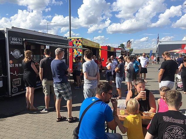 Festiwal Smaków Food Trucków wraca do Legionowa. Gdzie i kiedy smacznie zjemy?