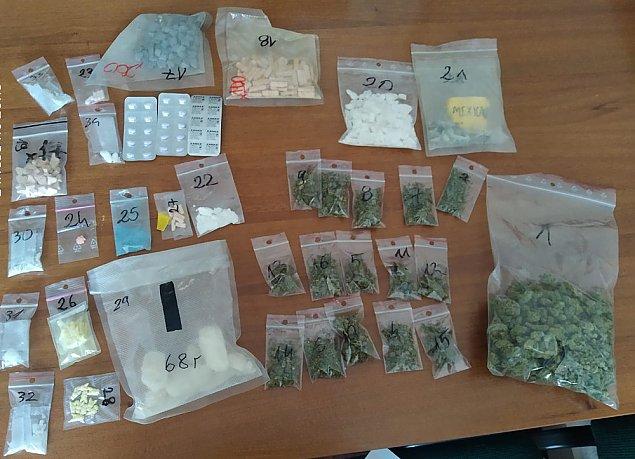 Bemowscy policjanci zatrzymali narkotykowych dilerów