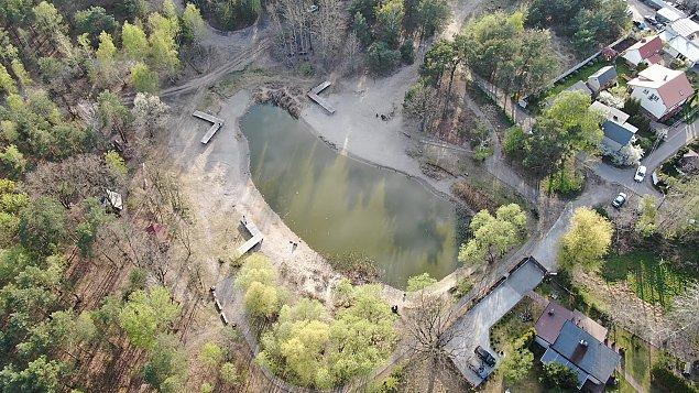 Akweny wodne w Wawrze coraz mniej dostêpne. Gdzie jeszcze mo¿na wypocz±æ nad wod±?