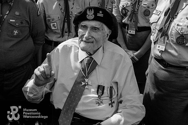 Zmar³ prof. Witold Kie¿un, honorowy obywatel Warszawy