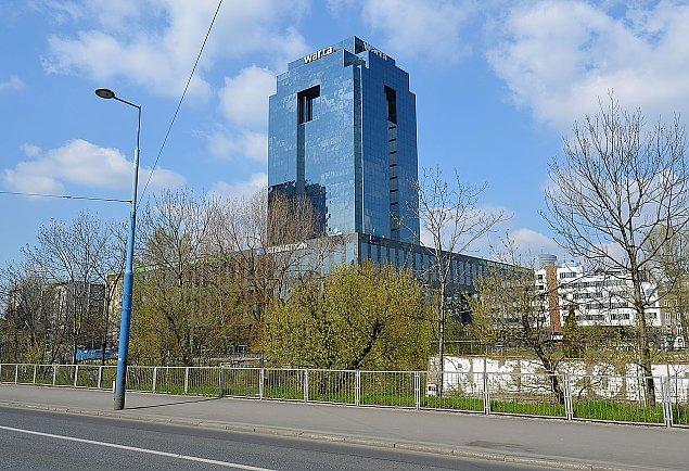 Ogromna transakcja w Warszawie. Sprzedali wie¿owiec i cztery biurowce
