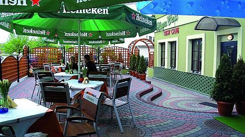 Mega Bait Rest Cafe - restauracja przy ratuszu