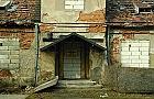 Pustostan przy Dzier�oniowskiej - jak� ma histori�?
