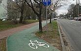 Droga dla rower�w, na kt�r� lepiej nie skr�ca�