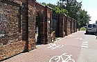Uwaga bubel! Z cmentarza prosto pod rower