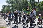 """Warszawski rowerzysta to m�czyzna na rowerze miejskim, w """"zwyk�ym"""" ubraniu"""