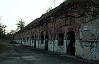 Fort Chrzan�w popada w ruin�, sprawa w s�dzie
