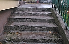 """W przychodni na Kochanowskiego schody """"ci�ko chore"""""""