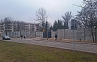 A mury rosn�... Centrum Kryptologii oszpeci�o Piaski