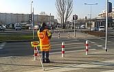 Ilu etat�w potrzeba, �eby przej�� przez jezdni� na zielonym �wietle?