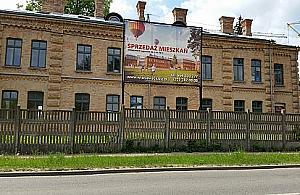Osiedle i centrum dla m�odzie�y rosn� przy Stru�a�skiej