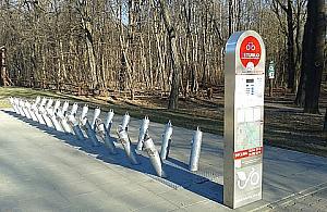 Arcypopularna trasa rowerowa jest na Bielanach