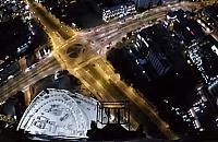 Niesamowity widok: w nocy wysoko nad Wol� [FILM]