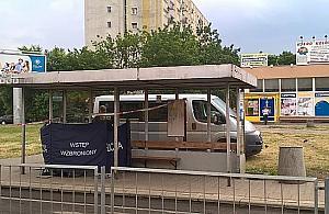 �mier� na przystanku przy Broniewskiego