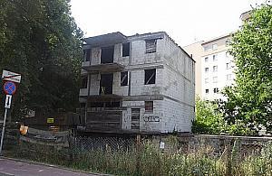 W�a�ciciel zmar�, a rozgrzebana budowa straszy ju� 15 lat
