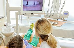 Bia�o��ccy denty�ci boruj� na luzie