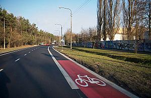 W�ycickiego: najd�u�sze pasy rowerowe w Warszawie