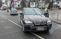 Kradzionym BMW chcia� rozjecha� policjant�w