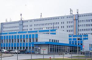 Samobójstwo w Szpitalu Bródnowskim. Mê¿czyzna skoczy³ z 6. piêtra